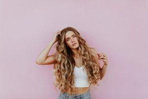 Sådan får du nemt sundt og glansfyldt hår